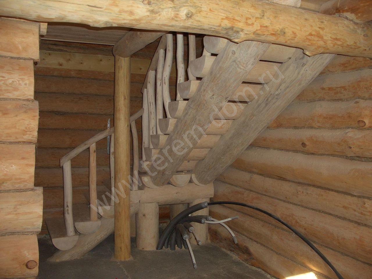 Как сделать лестницу на второй этаж из бревна своими руками