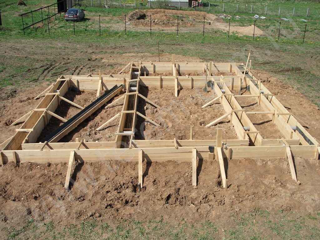 Как построить деревянный дом своими руками от фундамента до крыши 20