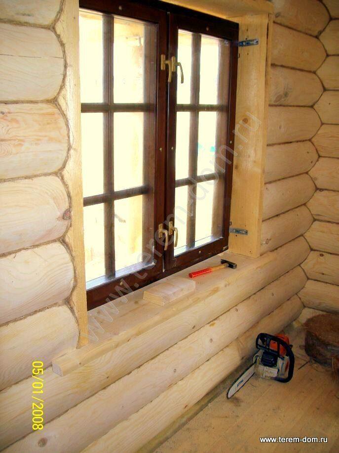 Вставляем окно в доме из бревна