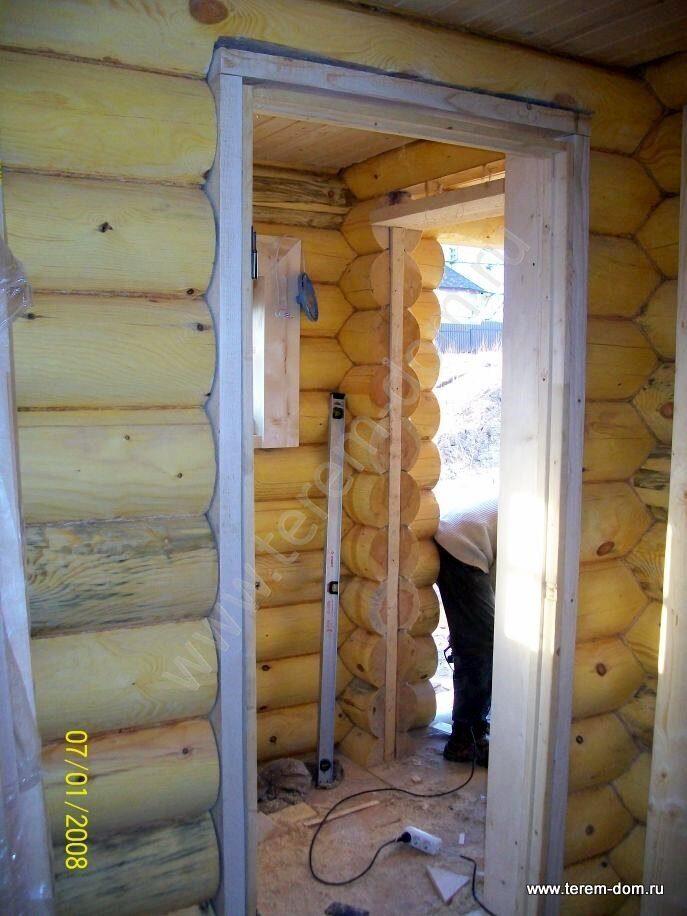 железную дверь в бревенчатом доме