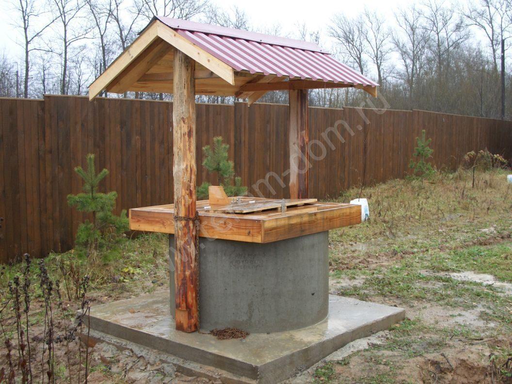 Декорирование колодца из бетонных колец своими руками 71