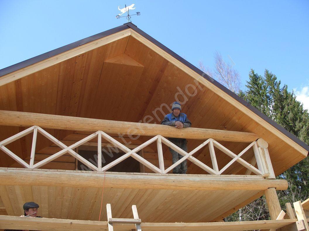 278 балкон в деревянном доме и терасса.